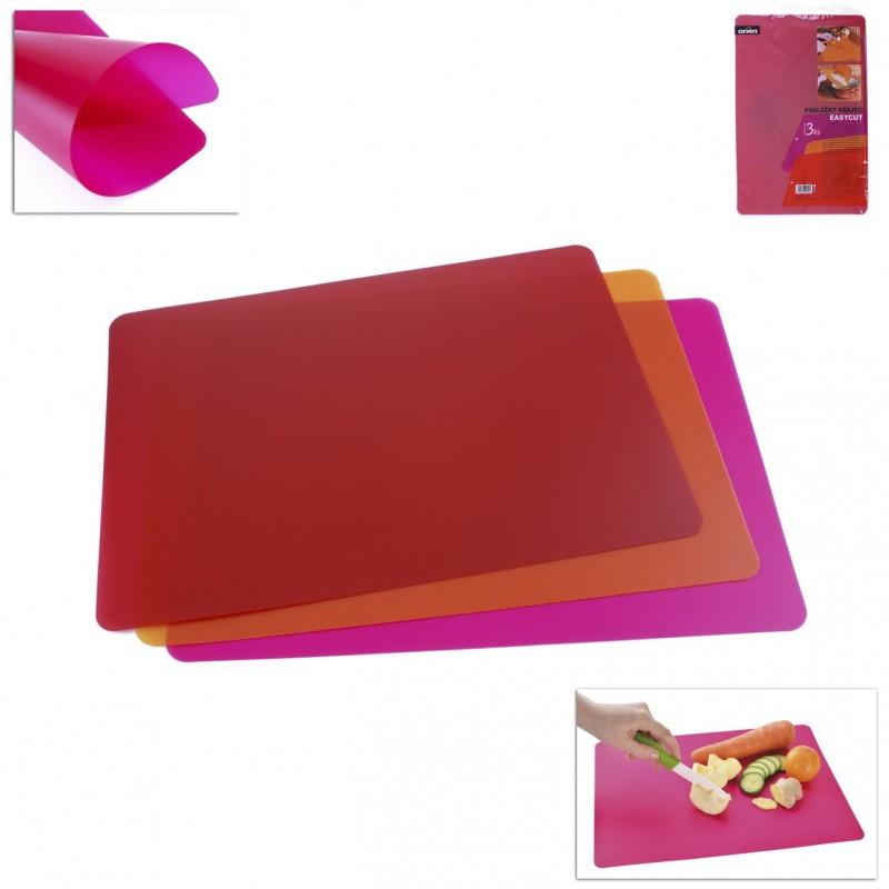 Zestaw elastycznych desek do krojenia.