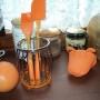 ociekacz na sztućce silikonowany w kolorze pomarańczowym
