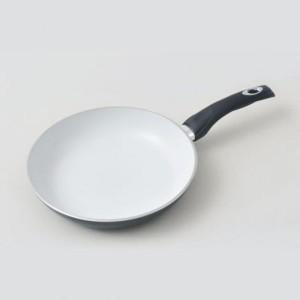 patelnia ceramiczna Tiross biała